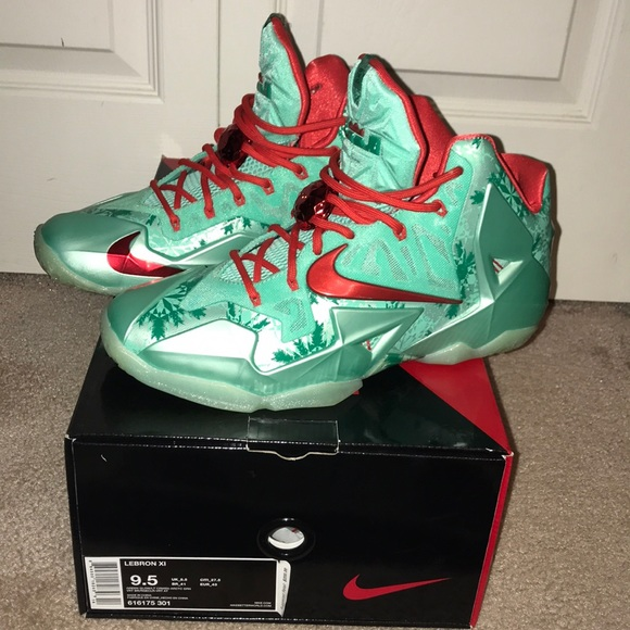 Nike Shoes   Lebron Xi Christmas